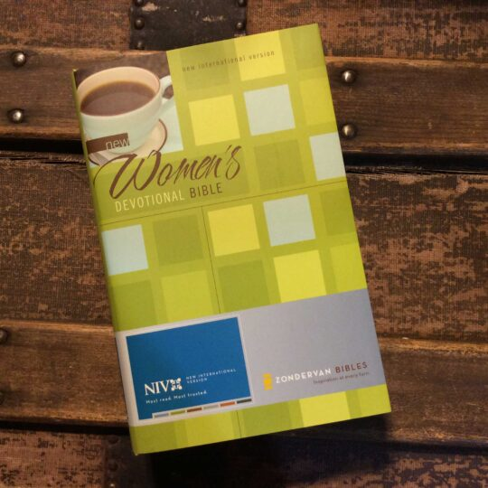 NIV New Women's Devotional Bible